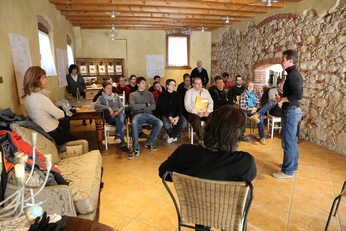 Team Building Verona - Formazione Esperienziale - Teatro Forum - Reckitt Benckiser - Briefing