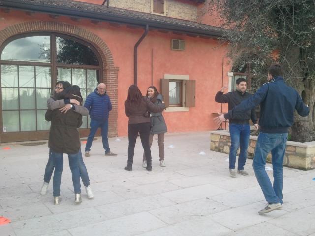 Team Building Verona - Formazione Esperienziale - Teatro Forum - Valpolicella - ice breaker -