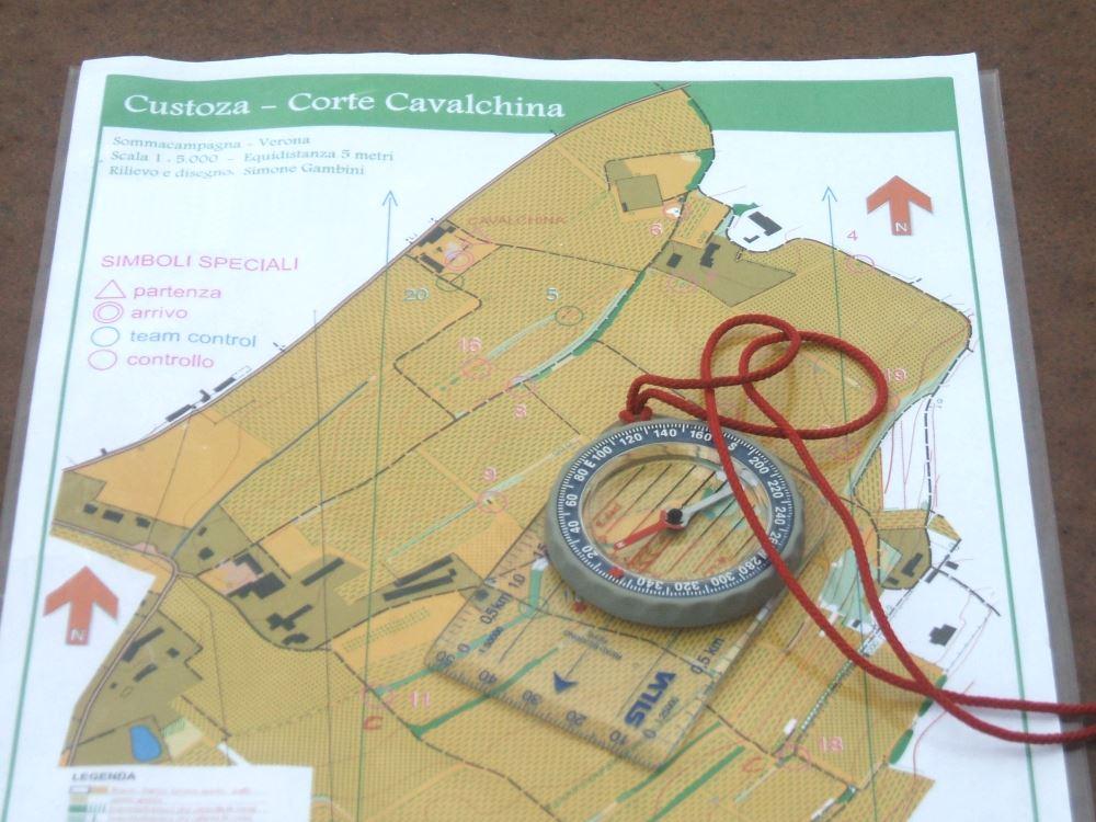 Team Building Verona - Team Orienteering - bussola - Riva del Garda