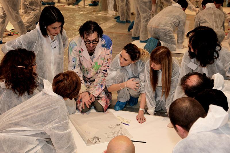 L'Active painting è un ottimo esercizio per lo sviluppo del senso di appartenenza ad un gruppo di lavoro.